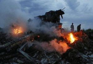 Ведущие авиакомпании отказываются летать над Украиной